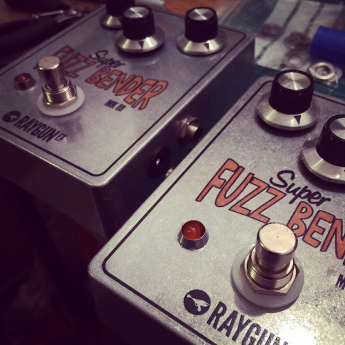 FUZZY_____Super_fuzz_bender_MKIII__raygunfx_www.fuzzboxes.co.uk_February_28__2015_at_0122AM